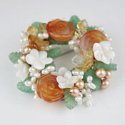 Flower Wreath*天然石ブローチ